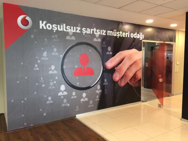 Vodafone Kurumsal Satış bayisini tabela ve iç mekan uygulamları yapıldı.